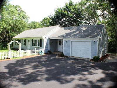 Barnstable Single Family Home For Sale: 26 Huckins Neck Rd