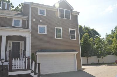 Needham Condo/Townhouse For Sale: 805 Highland Ave #5