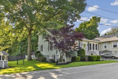 Wakefield Single Family Home For Sale: 7 Maple Avenue