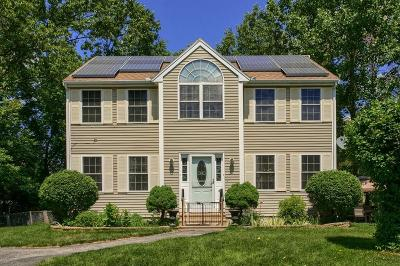 Lowell Single Family Home For Sale: 39 Lauren Way