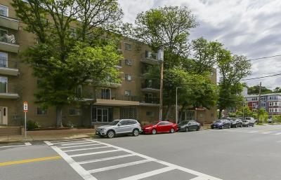 Condo/Townhouse Contingent: 121 Tremont St #219