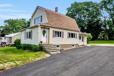 Billerica Single Family Home For Sale: 374 Treble Cove Rd