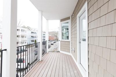 Condo/Townhouse Contingent: 18 Granfield Ave #1