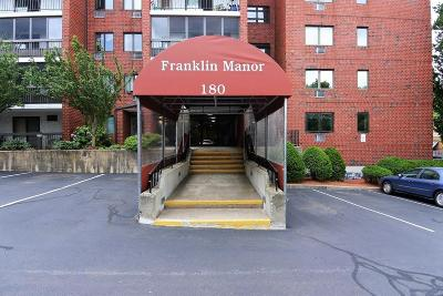 Melrose Condo/Townhouse Contingent: 180 Green St #215