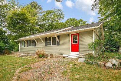 Wareham Single Family Home For Sale: 32 Peaceful Ln