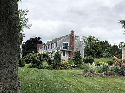 Hingham Single Family Home For Sale: 34 Highview Drive