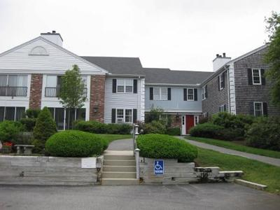 Sandwich Condo/Townhouse Under Agreement: 20 Hilltop Drive #20