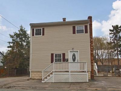 West Bridgewater Single Family Home For Sale: 16 Commonwealth Ave