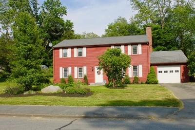 Marshfield Single Family Home For Sale: 40 Emanuel Rd