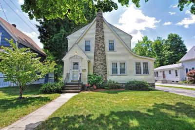 Stoneham Single Family Home For Sale: 64 Marble St
