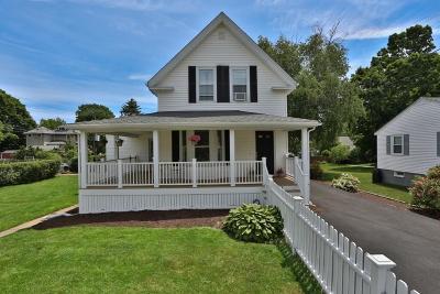 Wakefield Single Family Home For Sale: 51 Oak Street