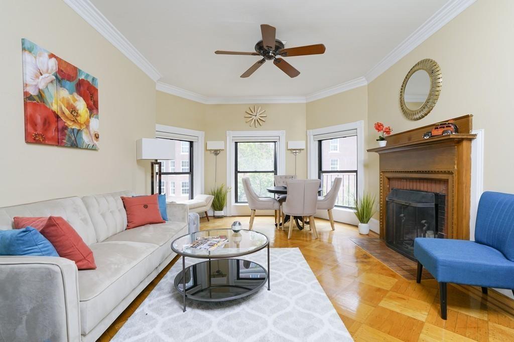 2 bed/2 bath Condo/Townhouse in Boston for $1,050,000