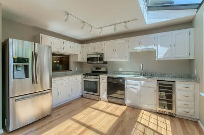 chelmsford Condo/Townhouse Under Agreement: 255 North Rd #79