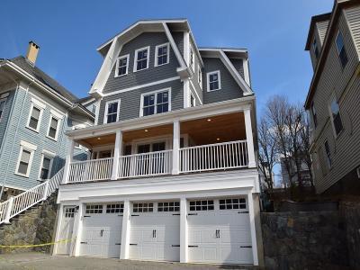 Boston MA Condo/Townhouse Under Agreement: $749,000