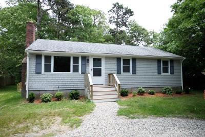 Falmouth Single Family Home For Sale: 215 Fresh Pond Rd