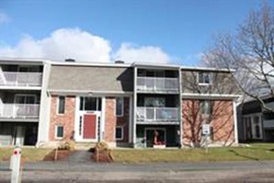 Bridgewater Condo/Townhouse Under Agreement: 220 Bedford St #B5