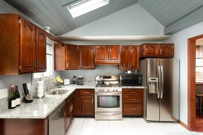 Malden Single Family Home For Sale: 125 Adams St