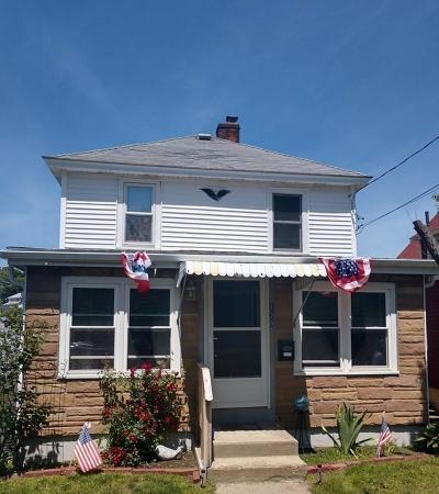 Hull Single Family Home For Sale: 129 Hampton Circle