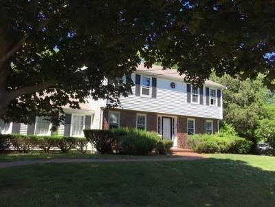 Hingham Single Family Home For Sale: 42 Old County Rd