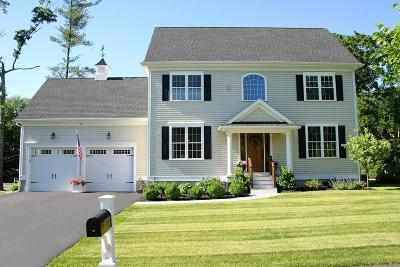 Attleboro Single Family Home For Sale: 26 Stone Forest Ln