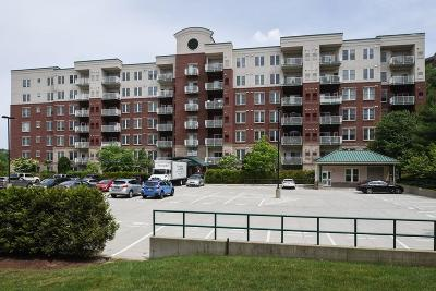 Middleton Condo/Townhouse Contingent: 38 Village Rd #514