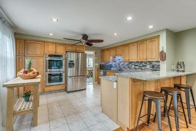 Burlington Single Family Home For Sale: 16 Carey Ave