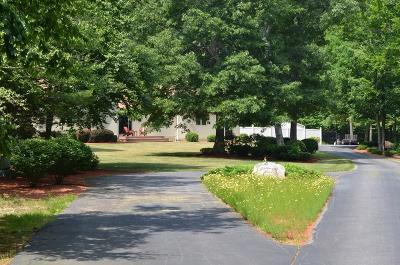 Middleboro Single Family Home For Sale: 38 Hunters Ridge Road