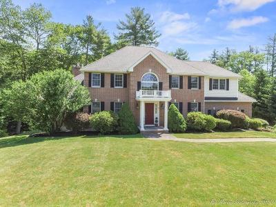 Middleton Single Family Home For Sale: 14 Sawyer Lane