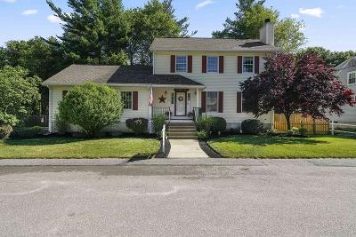 Holbrook Single Family Home For Sale: 25 Manor Rd