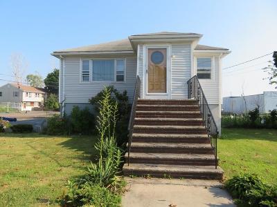 Saugus Single Family Home Under Agreement: 14 Beachview Ave
