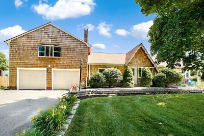 Bridgewater Single Family Home For Sale: 236 Laurel St
