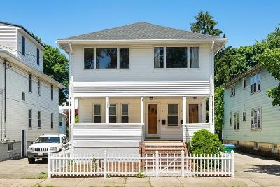 Medford Multi Family Home For Sale: 59 Thomas St