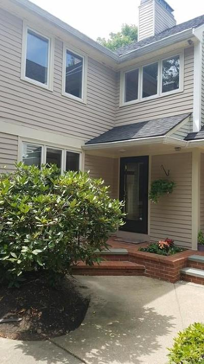 Randolph Condo/Townhouse Contingent: 84 Jasper Lane #84