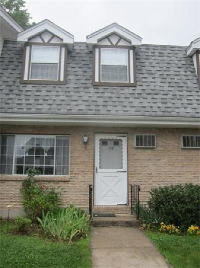 Methuen Condo/Townhouse Under Agreement: 945 Riverside Ave #16B