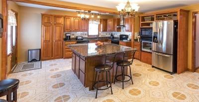 Saugus MA Single Family Home For Sale: $555,000