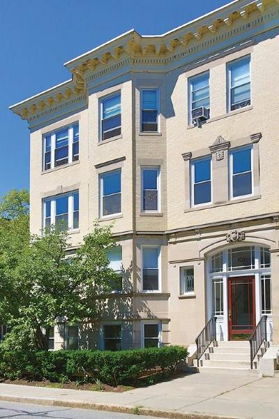 Brookline Condo/Townhouse For Sale: 104 Pleasant St #2