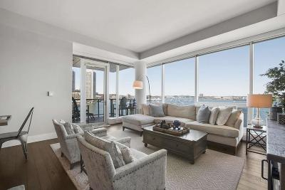 Condo/Townhouse Under Agreement: 22 Liberty Dr #5D