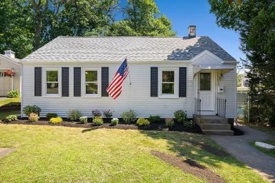 Wakefield Single Family Home For Sale: 1 Catalpa St