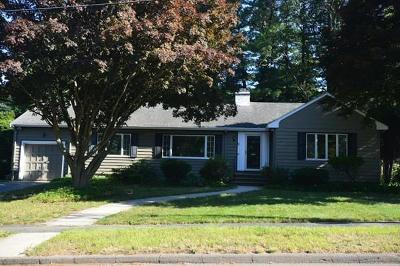 Lynnfield Single Family Home For Sale: 4 Nottingham Road