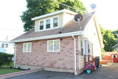 Stoughton Single Family Home For Sale: 88 Pearl St
