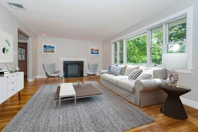 Boston Single Family Home For Sale: 914 Vfw Pkwy