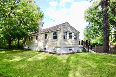 Billerica Single Family Home Under Agreement: 10 Stoney Dr