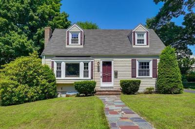 Medford Single Family Home For Sale: 25 Norwich Cir