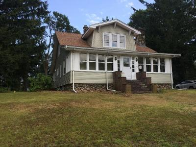 Stoughton Single Family Home Under Agreement: 366 Bay Road