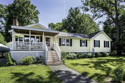 Burlington Single Family Home For Sale: 5 Spruce Hill Rd