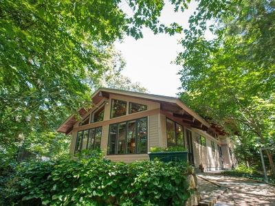 Wellesley Single Family Home For Sale: 7 Dinsmore Rd