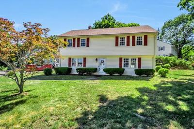 Woburn Single Family Home For Sale: 12 Freedom Rd