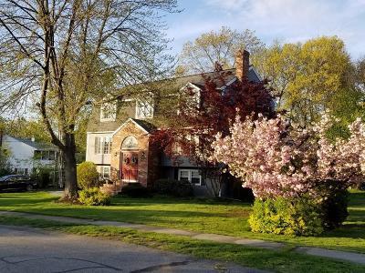 Billerica Single Family Home For Sale: 10 Hattie Ln