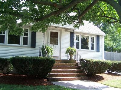 Peabody Single Family Home Under Agreement: 258 Lynnfield St