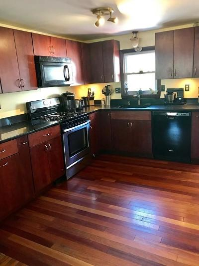 Quincy MA Single Family Home For Sale: $299,000